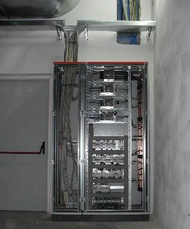 Impianti elettrici industriali dia impianti for Quadri per ufficio tecnico